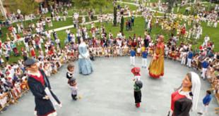 fiestas_zizur_gigantes_cabezudos1